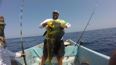 Las aguas del Océano Pacífico michoacano son apropiadas para la pesca de peces trofeo.