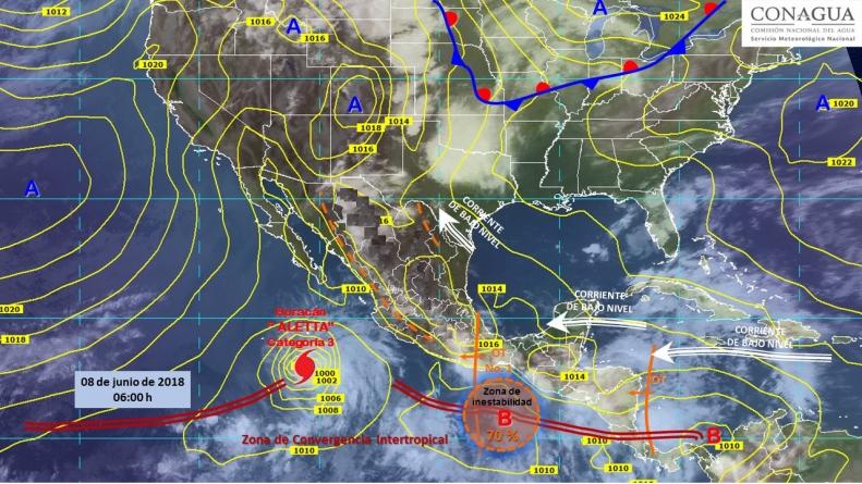 Aletta subió a huracán categoría 3