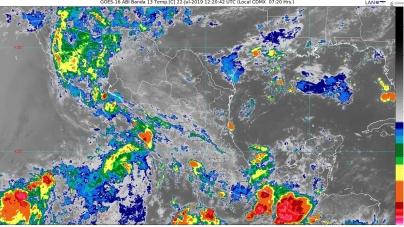 Lluvias intensas con descargas eléctricas y posible granizo se pronostican para Puebla y Oaxaca