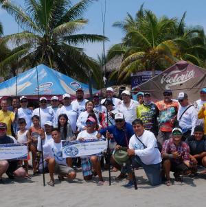 """El """"Pirata"""" Fajardo, con un robalo de 8.775 kilogramos, triunfador del 4° Torneo de Pesca Surf Casting LZC"""