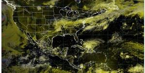 Lluvia y descargas eléctricas y granizadas en Durango, Sinaloa y Zacatecas; también en el Valle de México